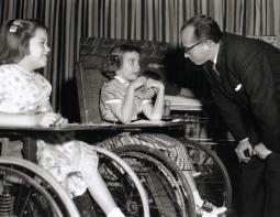 Jonas Salk talks to children with polio, 1958
