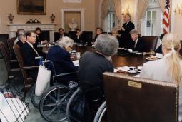 Justin Dart (center) at the White House, September 10, 1997.