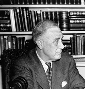 franklin d roosevelt essays Franklin d roosevelt franklin d roosevelt 32nd president of the united states ha pwesto march 4, 1933 – april 12, 1945 sugbong-mangulo john.